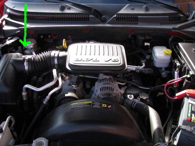 2010 06 21_234426_2007 location of low pressure ac service port 2005 dodge durango