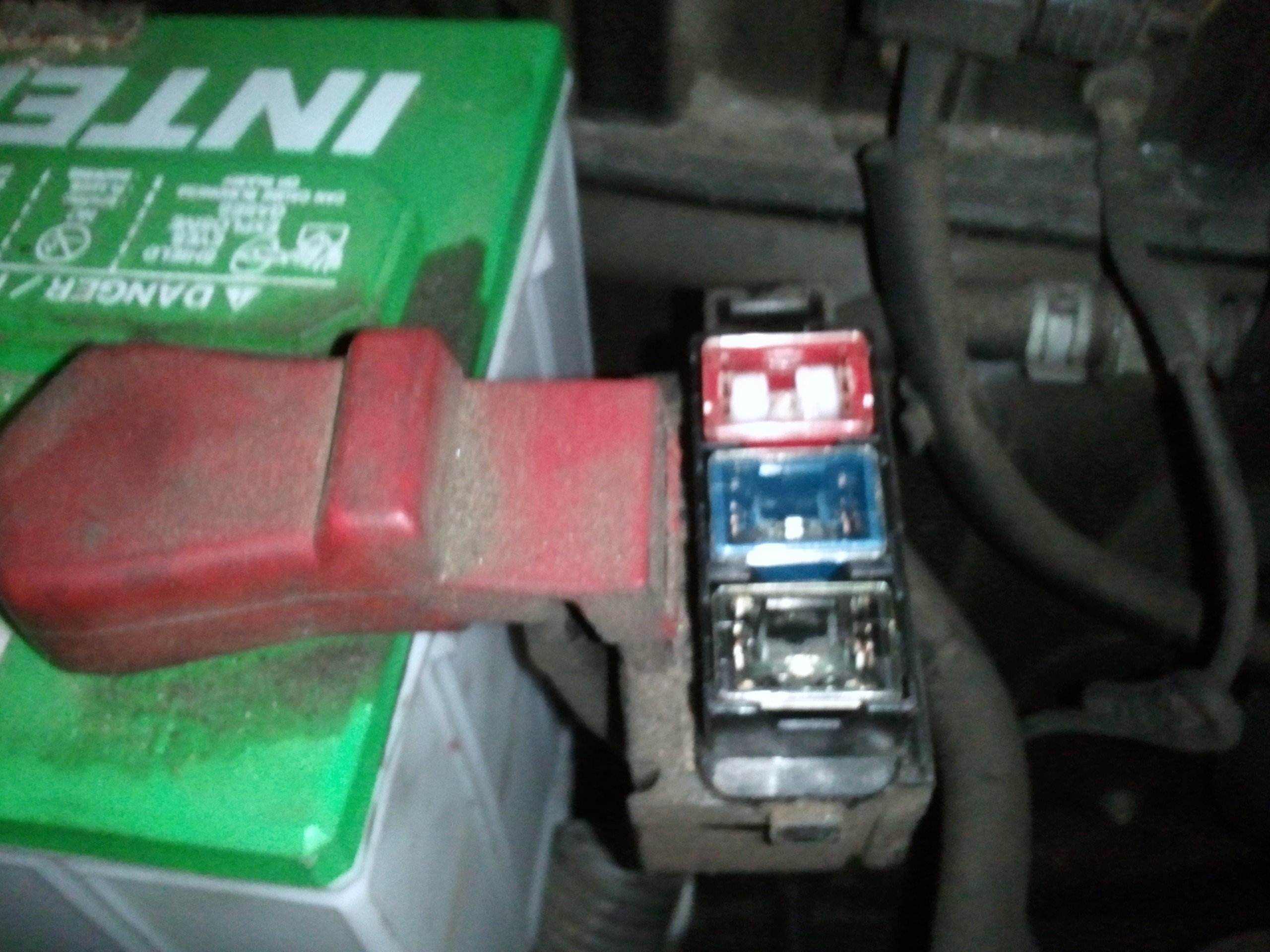 toyota rav4 fuse box diagram moreover 2005 toyota camry wiring diagram
