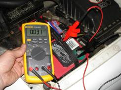 Vehicle battery draw test knee