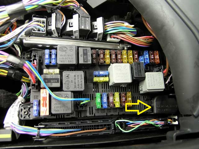 Maxresdefault together with Ddf additionally Blower Motor Relay additionally Ford E Series E E Fuse Box Power Distribution Box X moreover Econoline Fuse Box Wiring Diagrams Instruction. on 2000 e350 fuse box diagram