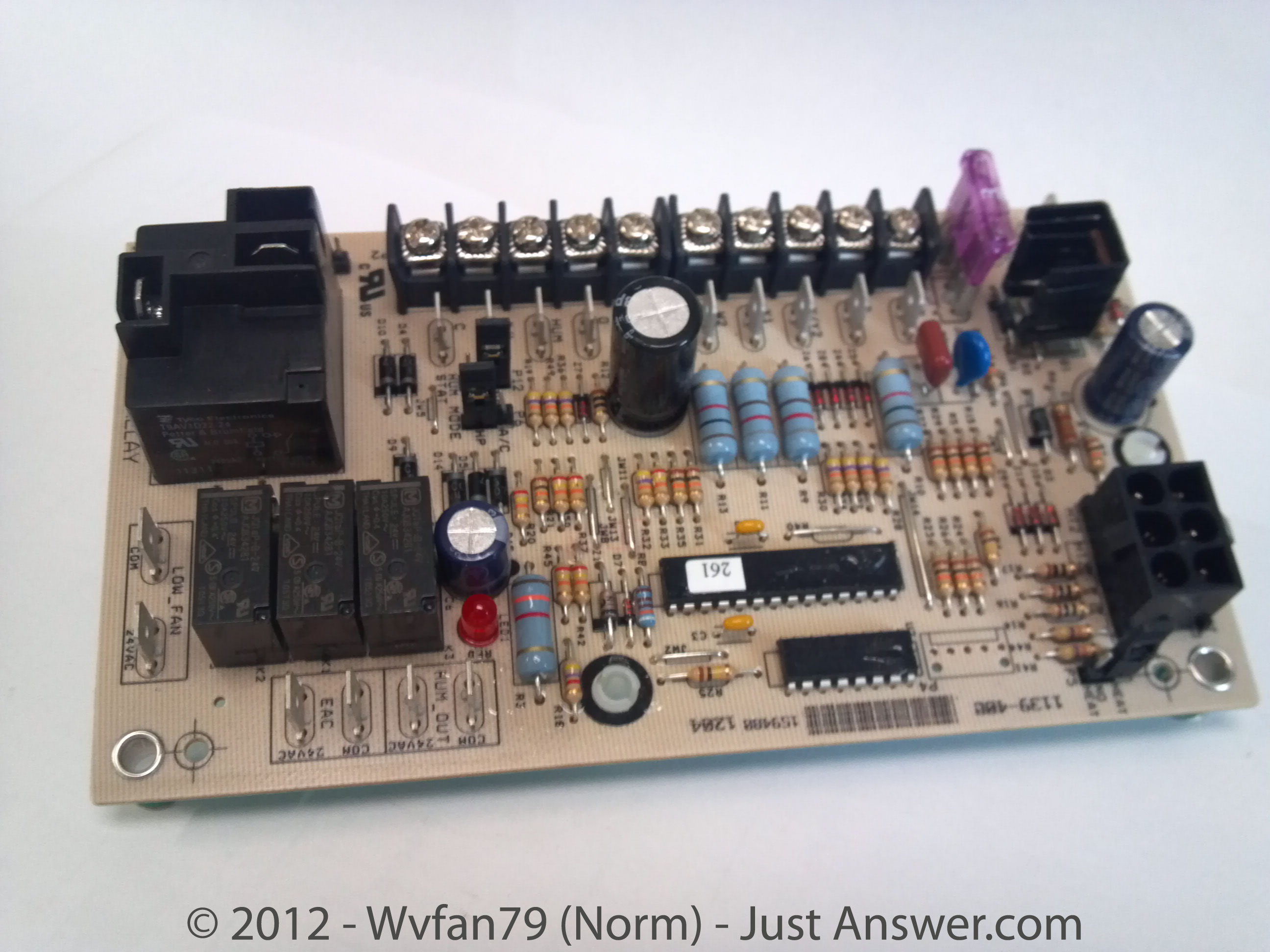 2012-07-13_014646_board-with-fuse Airwell Air Conditioner Wiring Diagram on