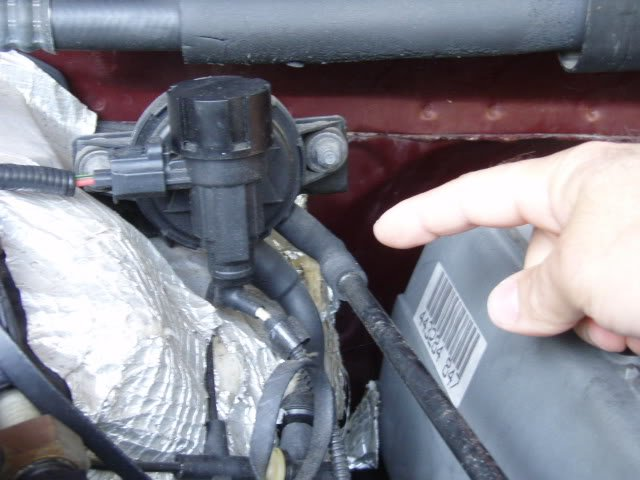 Ford F150 Electrical Sensor Specifications 360040 moreover 150 Fuse Box Diagram Additionally 2005 Ford F besides Where Is The 2013 Ford Focus Outside Air Temp Sensor Located additionally 1986 F150 Sensor Location in addition 2003 Vw Pat Radiator Removal. on iat sensor 2006 ford escape