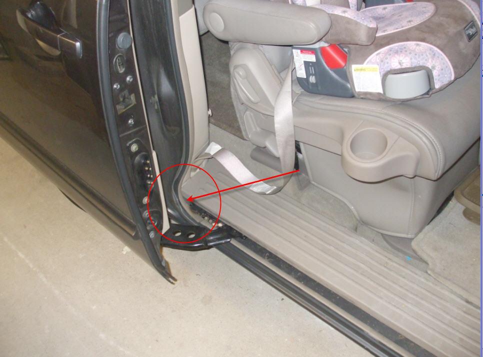 My 2004 Nissan Quest Pwr Sliding Door Opens Fine But