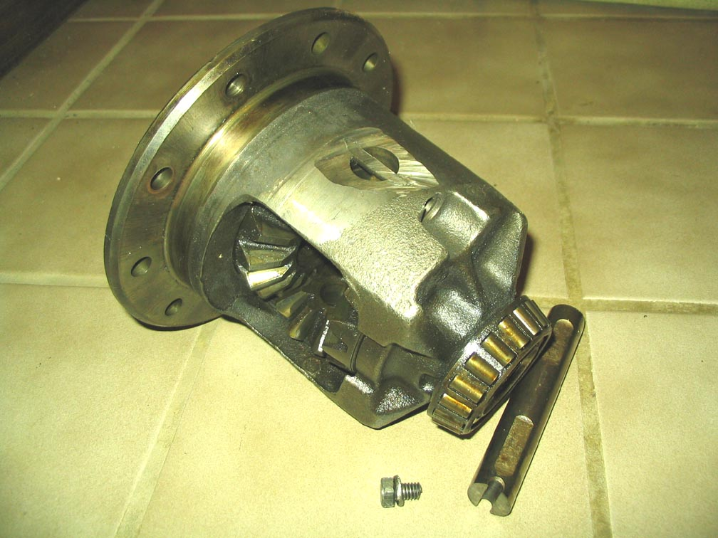 Chevrolet Truck Front Pinion Seal Leak : I have a rear axle seal leaking on my ton wd