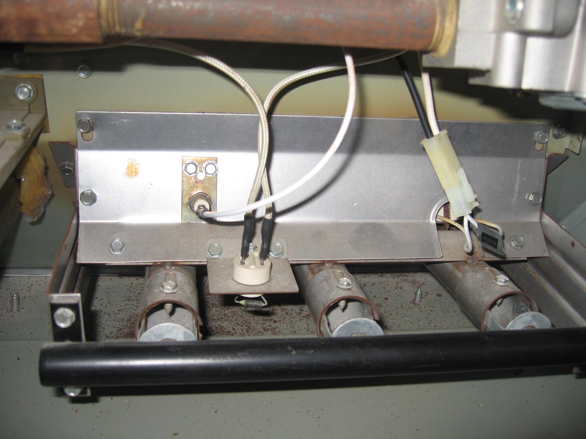 Goodman gas furnace parts pressure switch diagram goodman for Trane xl90 blower motor